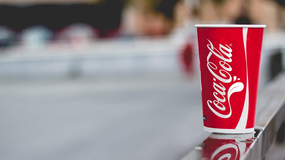 可口可乐推出一款新LOGO,而且还是个大舌头!